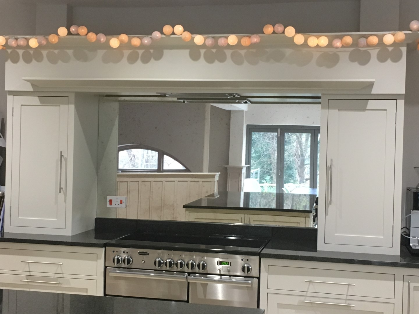 mirror splashback
