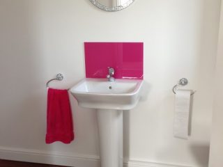 pink bathroom splashback