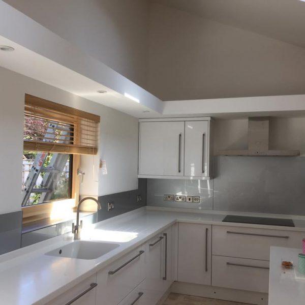 metalic kitchen splashback