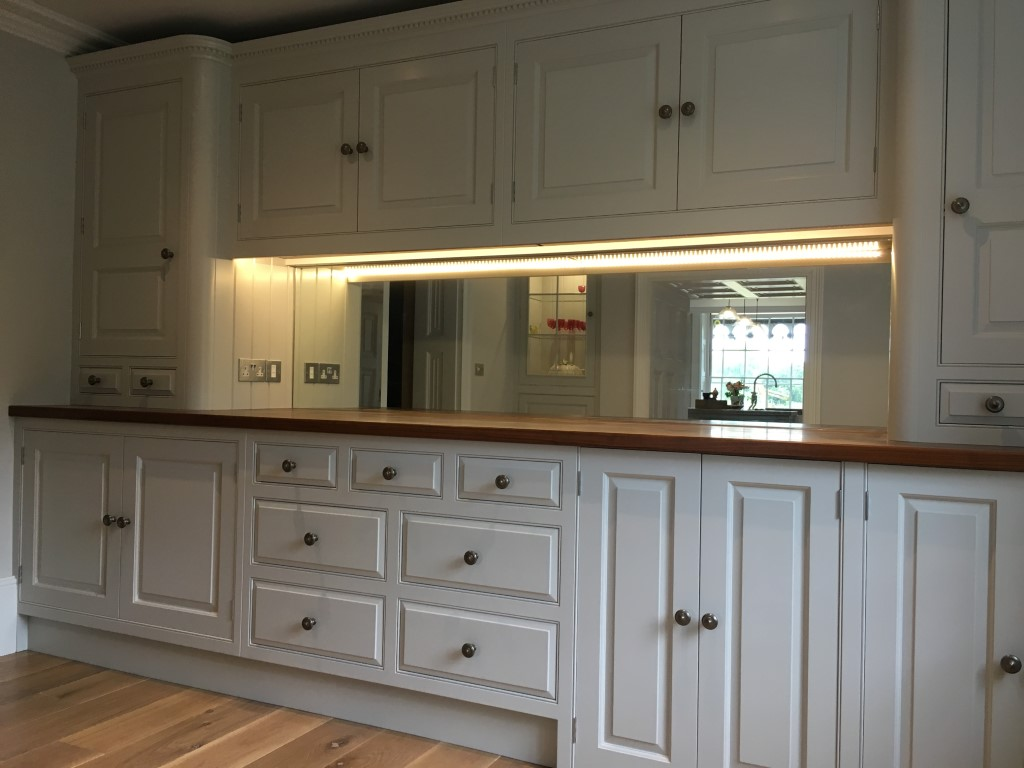 silver glass mirror splashback