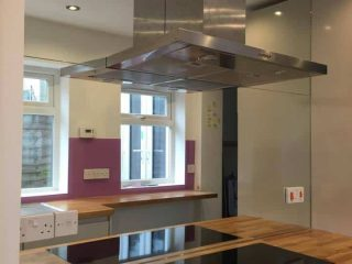 mirrored splashback kitchen