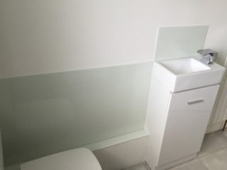 Bathroom Coloured Glass Splashbacks (3)