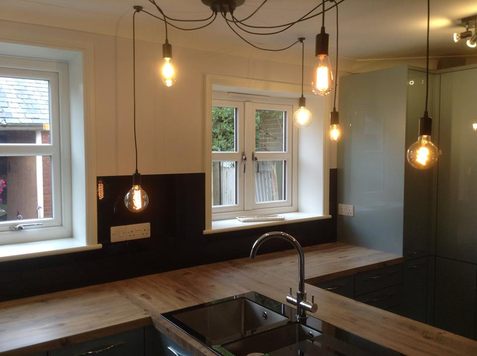 Coloured Glass Splashbacks For Kitchen Or Bathroom (1)