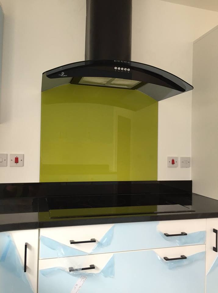 Coloured Glass Splashbacks For Kitchen Or Bathroom (3)