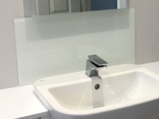 Glass Bathroom Splashbacks (6)
