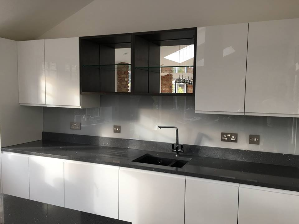 Kitchen Coloured Splashback (3)