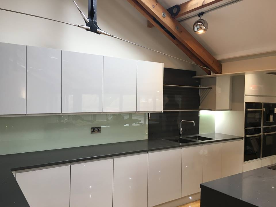 Kitchen Coloured Splashback (6)