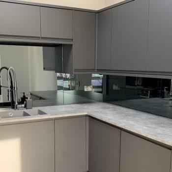 Mirrored Kitchen Splashback (2)