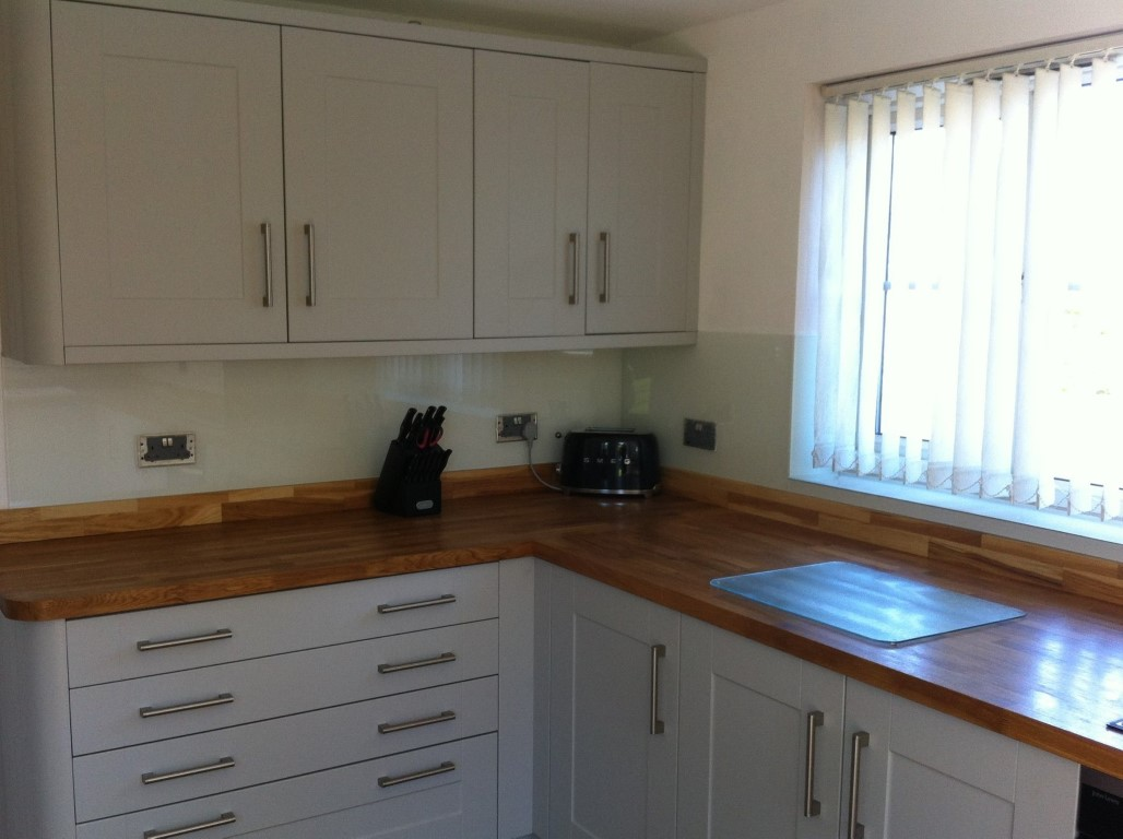 White Coloured Kitchen Splashback